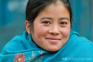 nepalese-woman-finds-hope-2