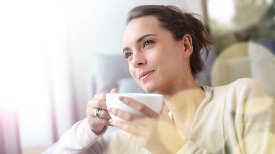 woman-drinking-tea