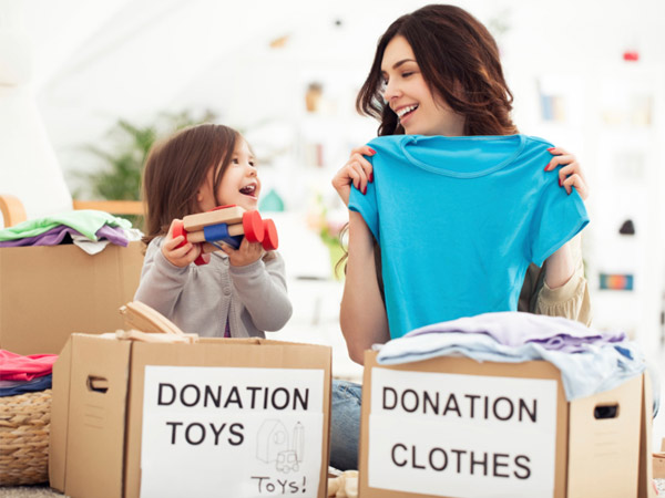 donate_clothes_uday_foundat