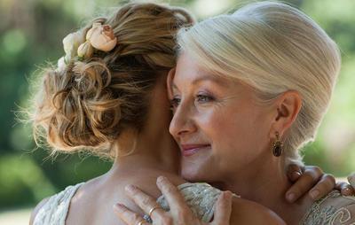 mother-hugging-bride-1000_0