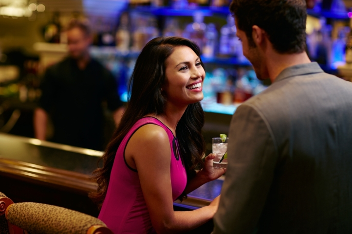 couple-bar