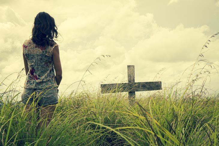 woman-grieving-loss
