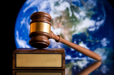 120516-god-judge
